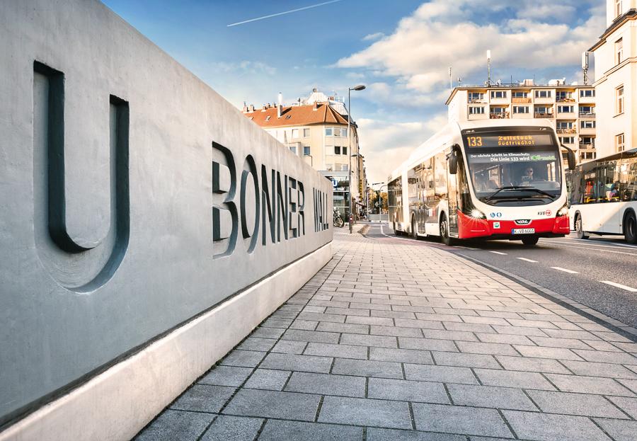 Bonner Wall Bus